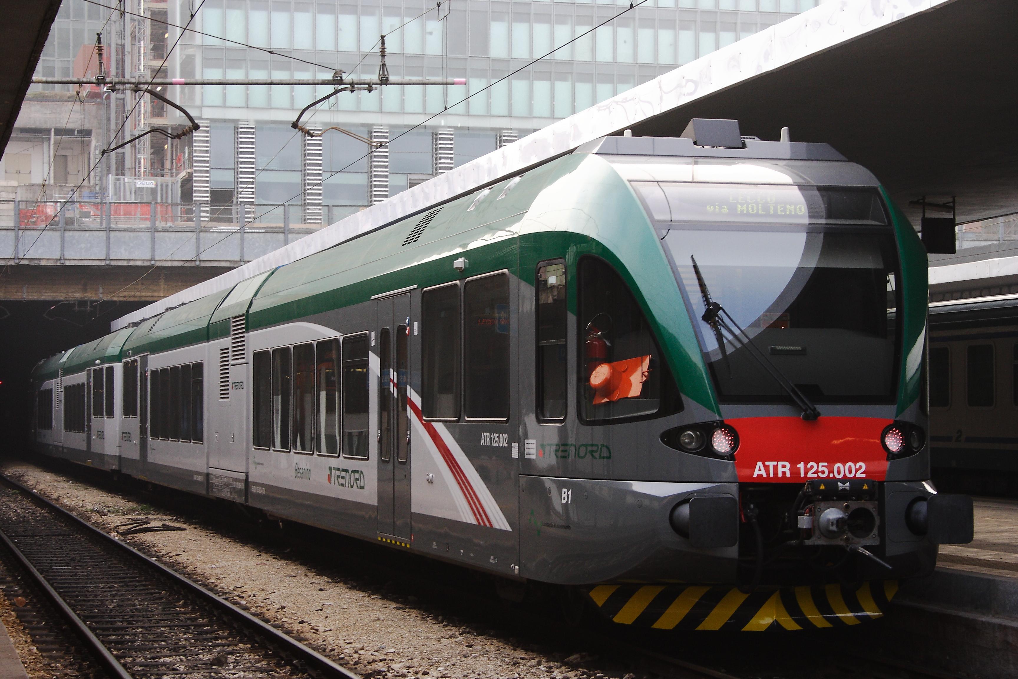 Macchinista e capotreno aggrediti a colpi di machete le - Milano porta genova treni ...